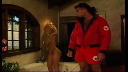 Holly Body - Babewatch 1 - scene 1