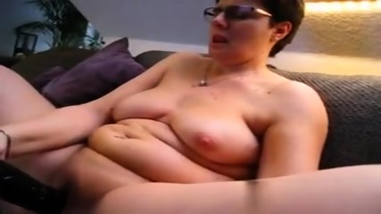 mature chubby wife masturbation