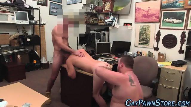 Amateur sucks bears dick