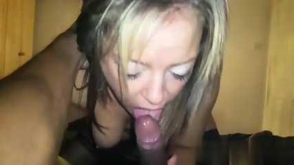 blowjob from blue eyed milf