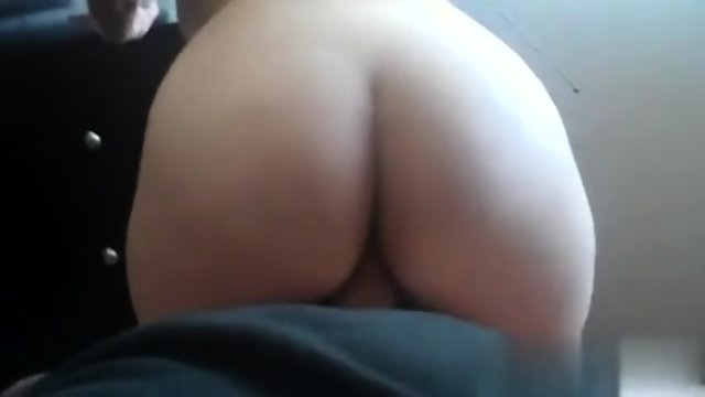 Wife bounces and gets orgasm