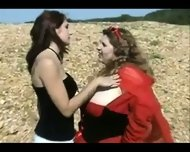 Moonsingers Lil Red Riding Hood - scene 2