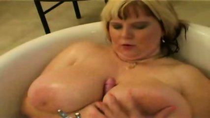 BBW in the bathroom - scene 1