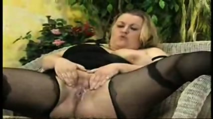bbw piss - scene 9