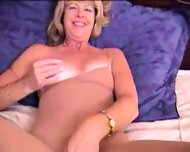 Mature Blonde masturbante in pantyhose and dildo - scene 12