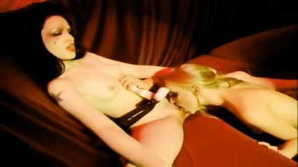Black Light Beauties - scene 6