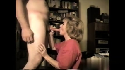 Amateur Milf Loves To Suck - scene 2