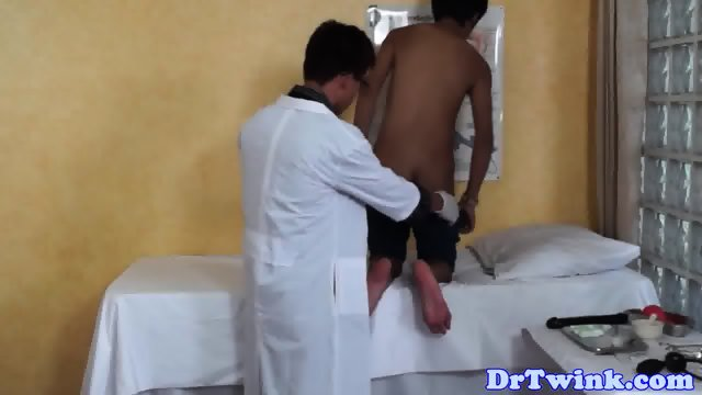 Asian twinks ass eaten by uniformed doctor