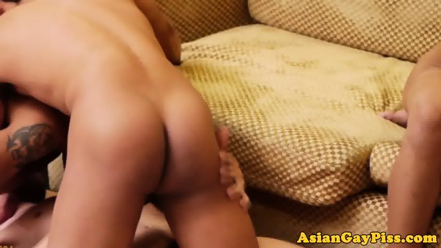 Asian twinks suck and wank in group