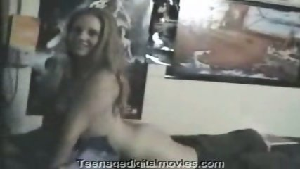 Homemade - Girl gives guys a lovely show - scene 6