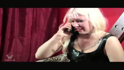 Face Sitting Dominatrix - scene 8
