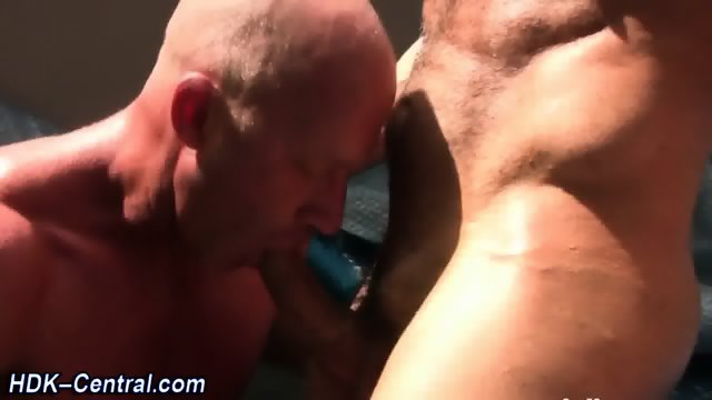 Mature guy ass fucks raw