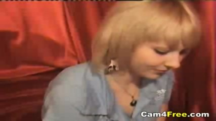 Hot Blonde Naked and Horny On Webcam - scene 3