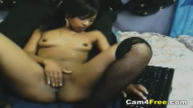 Sexy Black Teen Rubs Her Clit