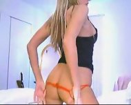 Hot Model on Webcam - scene 11