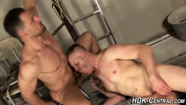 Rimmed hdk stud fucks ass