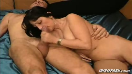 Milf Blowjob Amateur Granny - scene 3