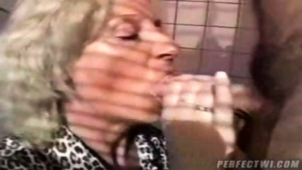 Mature lady fucked - scene 2