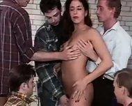 Patricia - Svenska nyborjare gangbang - scene 4
