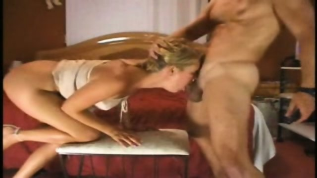 Blond amateur cock sucker