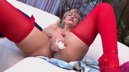 Blonde With Red Stockings Stimulates Vagina - scene 12