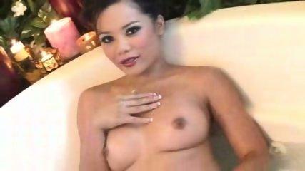 Miss Luana - Hot and Wet - scene 7
