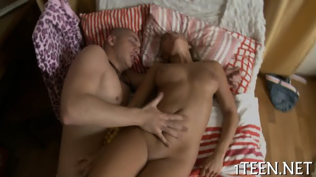Babe gets her hairy twat tamed