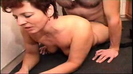 Homemade - Mature couple in the hallway - scene 7