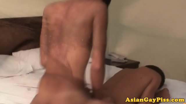 Asian twink assfucks bareback before cumshot