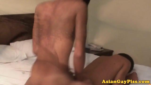 Asian twink assfucks bareback before cumshot