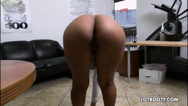 Sexy ebony big butt secretary Arianna Knight