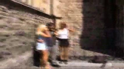 Public - Fucking - Op het vrijhof in Maastricht - scene 7