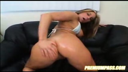 AWESOME blonde chic fucked with size - scene 2