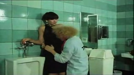 Desiree Cousteau Enema - Pretty Peaches 1978 - scene 3