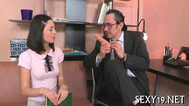 транс жестко секс видео с стариком в презервативе в отеле сайте можно