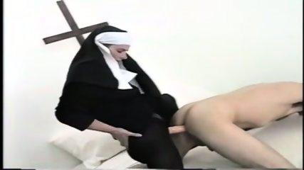 Female Authority - Kat - Genesis - scene 9