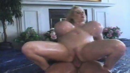 Kayla Big Tits Hooternation 2004 - scene 11
