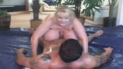 Kayla Big Tits Hooternation 2004 - scene 2