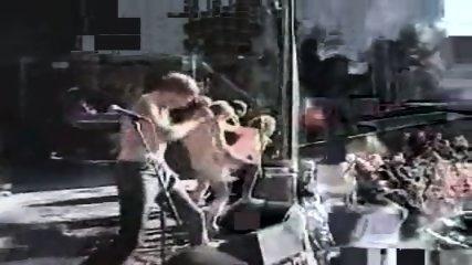 Amateur - Sex on stage of a live rock concert - scene 6