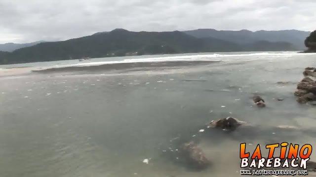 Two horny Brazilians enjoying fucking bareback on the beach