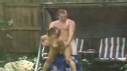 Amateur - Couple caught screwing in the garden - scene 11