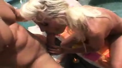 Puma Swede Big sausage pizza - scene 8