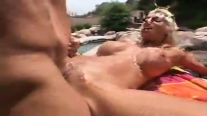 Puma Swede Big sausage pizza - scene 7