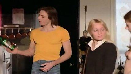 Brigitte Lahaie - Esclaves sexuelles sur catalogue - scene 8