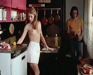 Brigitte Lahaie - Esclaves sexuelles sur catalogue - scene 6