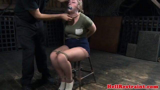 Hairbondage sub toyed while restrained