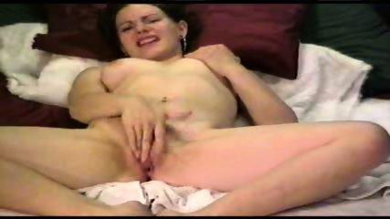 Rubbing to Orgasm - scene 1