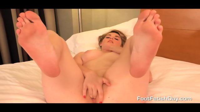 feet Masturbation using