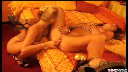 Hot lesbian lovers 3/4 - scene 10