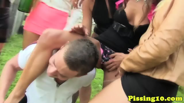 Outdoor pissing groupfun with glam eurobabes